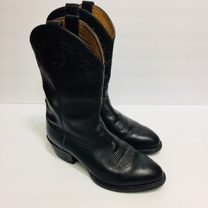 ARIAT Gently Used Western Leather Boots. 10